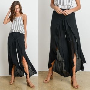 KHLOE Flutter Pants - BLACK